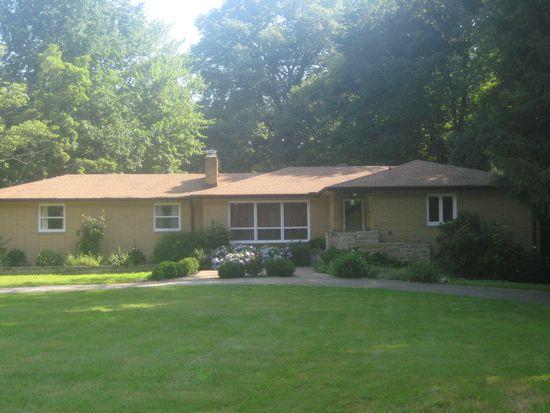 8119 Forestdale Dr, Kirtland, OH 44094