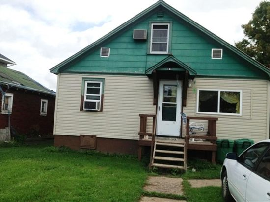 609 Wilson Ave, Iron River, MI 49935
