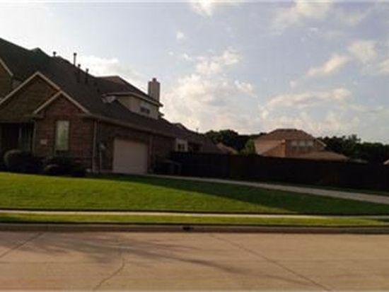900 Killian Dr, Mansfield, TX 76063