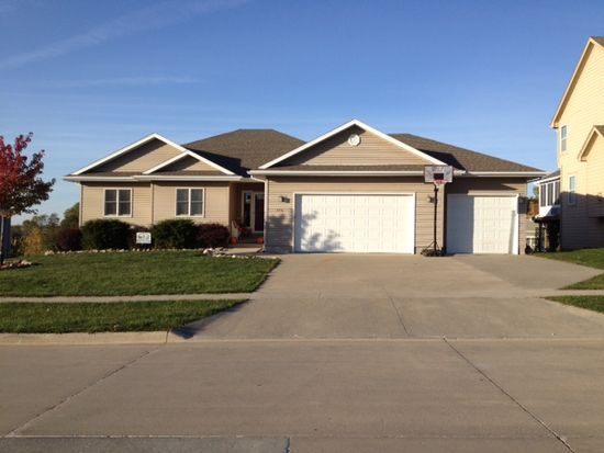 2416 Twin Eagles Dr, Granger, IA 50109