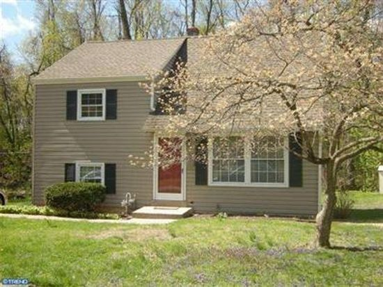 53 Robarts Dr, Phoenixville, PA 19460