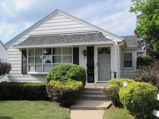 1300 Marion Ave, South Milwaukee, WI 53172
