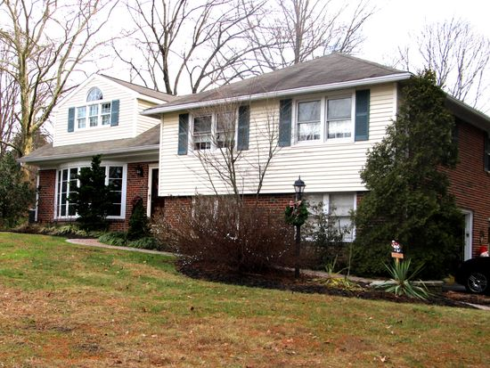 25 Williams Rd, Haverford, PA 19041