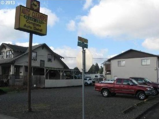 500 W Gloucester St, Gladstone, OR 97027