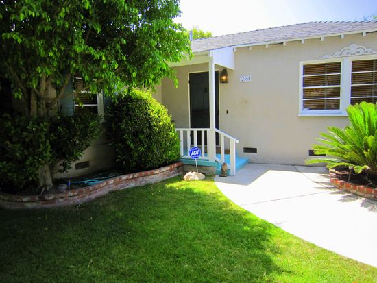 12354 Huston St, Valley Village, CA 91607