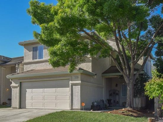 569 Edenderry Dr, Vacaville, CA 95688