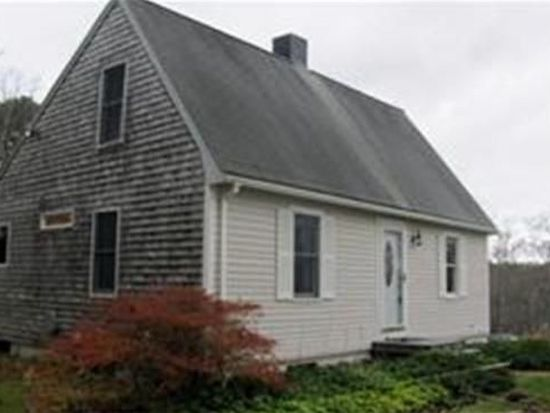 51 Center Hill Rd, Plymouth, MA 02360