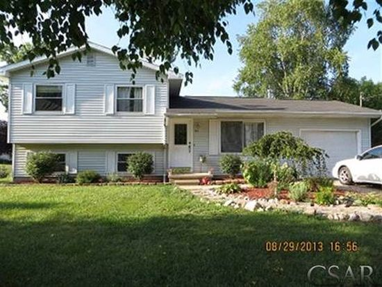 301 Valley Ct, Perry, MI 48872