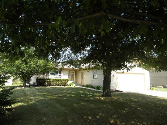 5302 W Winding Creek Dr, Mchenry, IL 60050