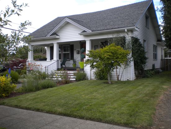 300 E Dartmouth St, Gladstone, OR 97027