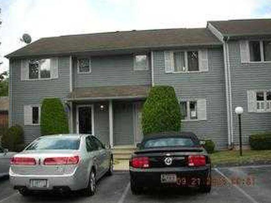 479 Providence St APT C2, Warwick, RI 02886