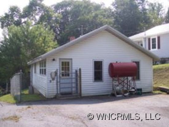 134 S Dale St, Spruce Pine, NC 28777