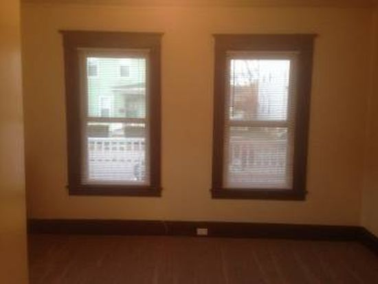 558 Amory St # 1, Manchester, NH 03102