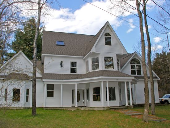 135 Sycamore Ter, Sheffield, MA 01257