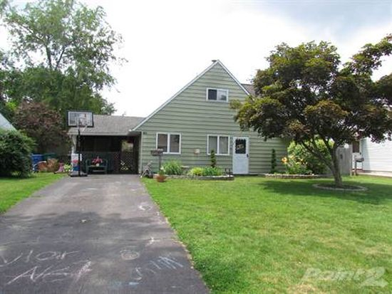 65 Huckleberry Ln, Levittown, PA 19055