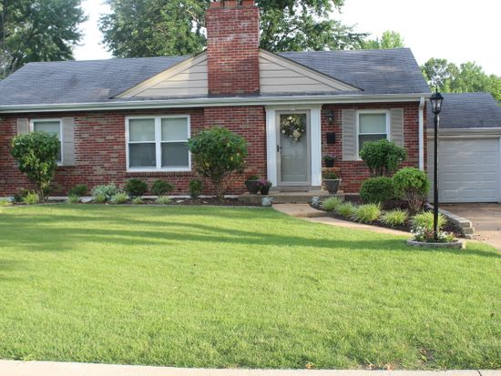 46 W Rose Ave, Webster Groves, MO 63119