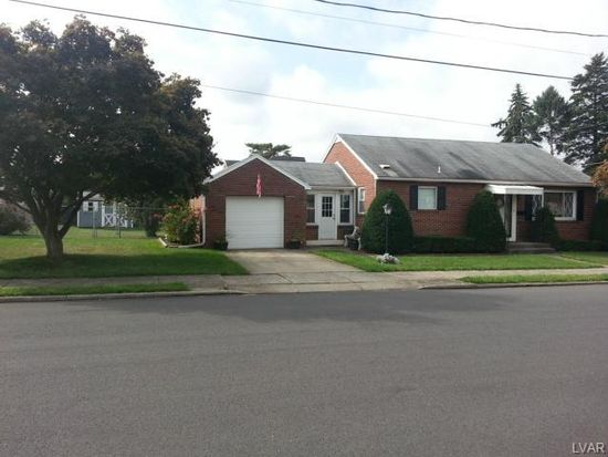 520 Linden Ave, Hellertown, PA 18055