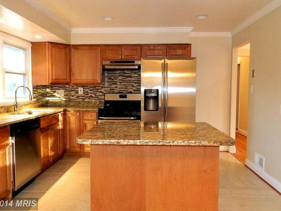 4213 Downing St, Annandale, VA 22003