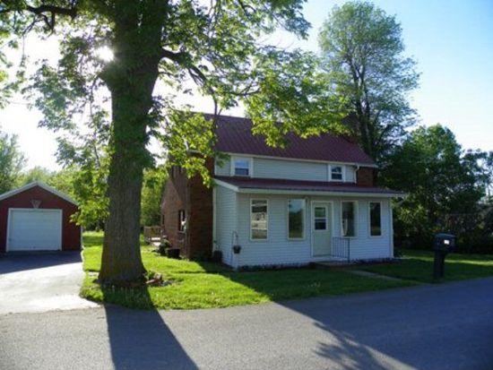 30 Fairbanks Rd, Champlain, NY 12919