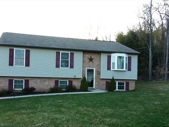 314 Lutz Dr, Reading, PA 19606