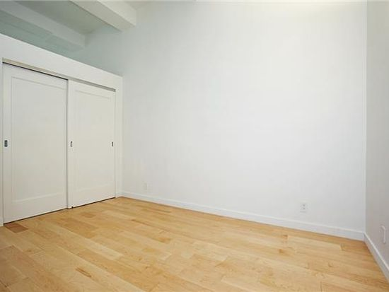 310 E 46th St APT 3T, New York, NY 10017