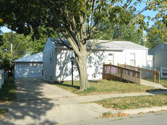 919 S 28th St, Fort Dodge, IA 50501