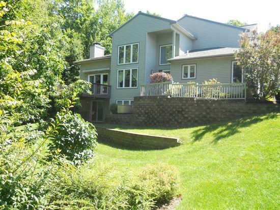33 Pine Ridge Rd, Saratoga Springs, NY 12866