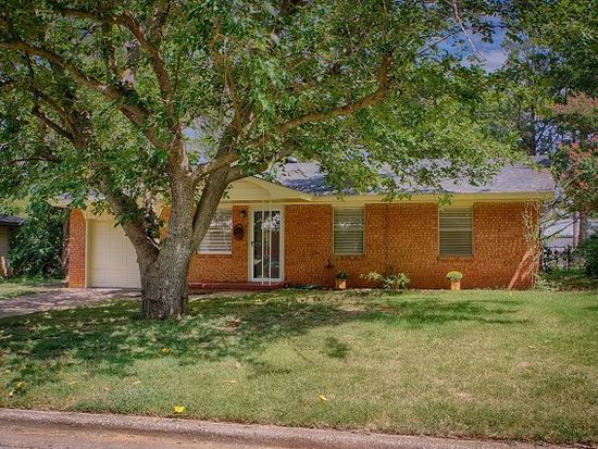 409 N Front St, Noble, OK 73068
