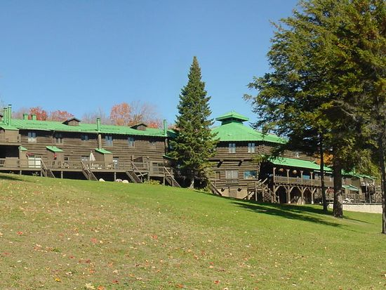 656 Hollywood Rd, Old Forge, NY 13420