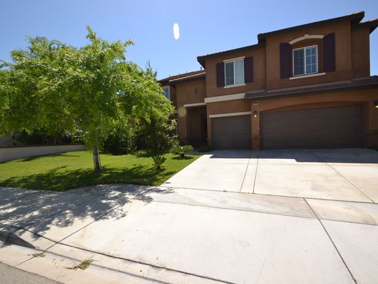 29185 Lakeview Ln, Highland, CA 92346