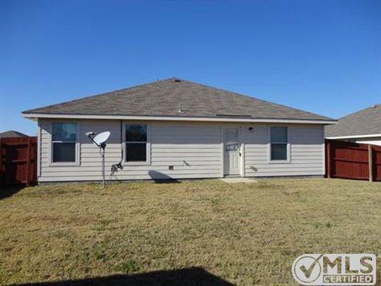 1822 Brookwood Dr, Terrell, TX 75160