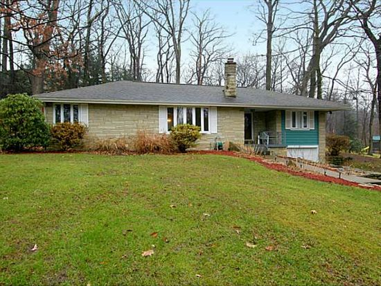 325 Forestwood Dr, Gibsonia, PA 15044