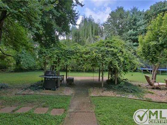 4600 Brown Leaf Dr, Old Hickory, TN 37138