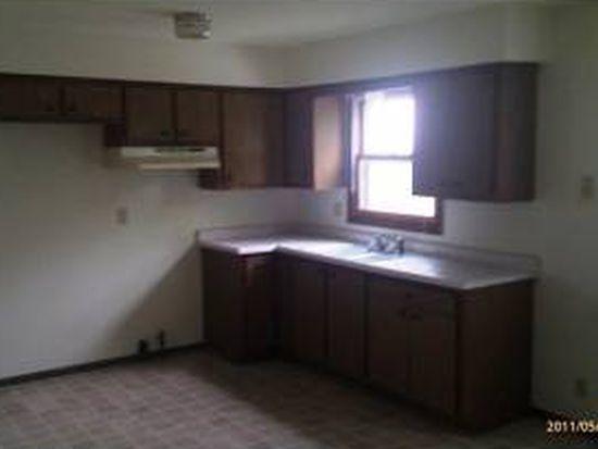 435 Hartwell St, Elkhorn, WI 53121
