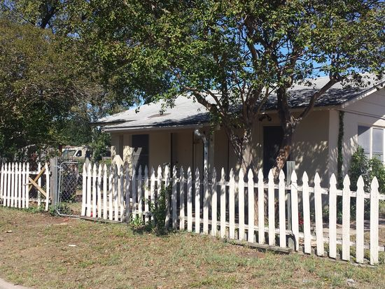6310 Felix Ave, <a href='http://triciashirk.aus.exprealty.com/index.php?types[]=1&types[]=2&areas[]=city:Austin&beds=0&baths=0&min=0&max=100000000&map=0&sortby=listings.price DESC&quick=1&submit=Search' title='Search Properties in Austin'>Austin</a>, TX 78741