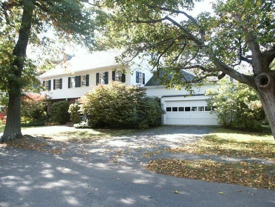 61 Lincoln Cir, Swampscott, MA 01907