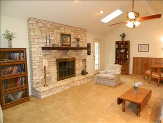 221 Oak Ct, New Braunfels, TX 78132