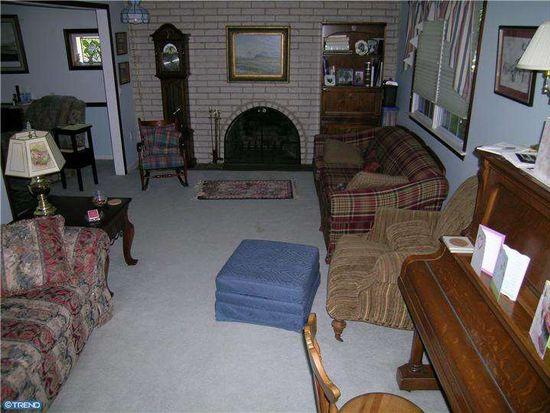 358 Saly Rd, Yardley, PA 19067