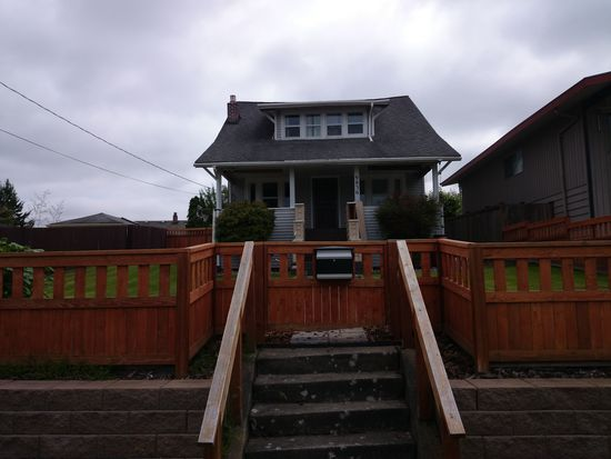 9836 61st Ave S, Seattle, WA 98118