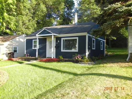 1224 Palmer Ave, Kalamazoo, MI 49001