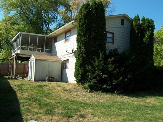 819 W 44th St, Davenport, IA 52806