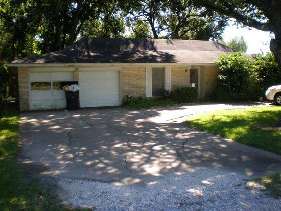5294 Hogaboom Rd, Groves, TX 77619