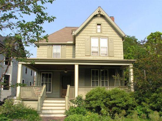 105 S Stone Ave, La Grange, IL 60525