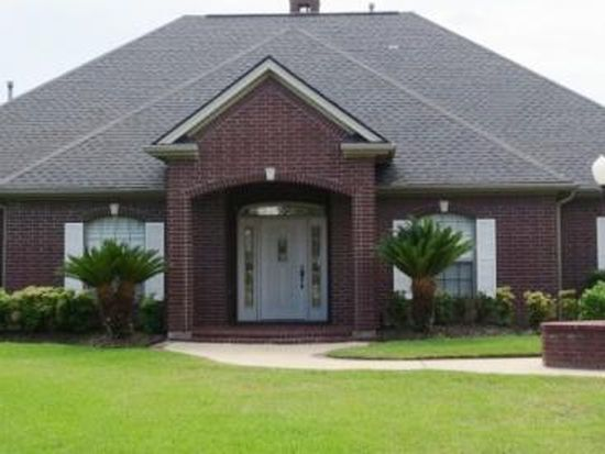 881 Baker Ave, Port Neches, TX 77651