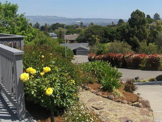 457 Amber Way, Petaluma, CA 94952
