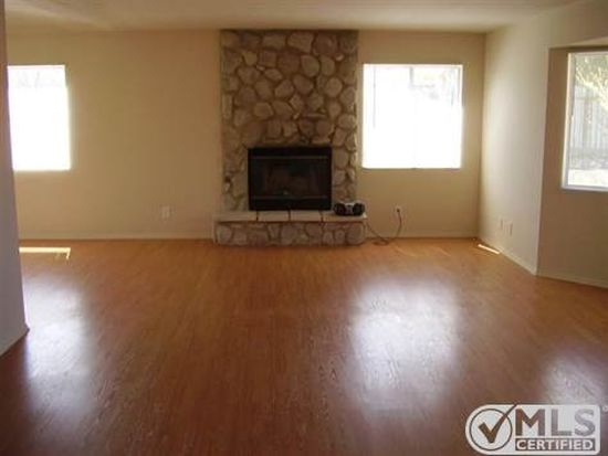 10599 Maple Ave, Hesperia, CA 92345