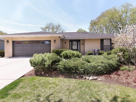 7600 Williams St, Downers Grove, IL 60516