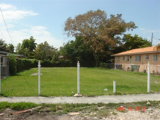 2034 NW 35th St, Miami, FL 33142