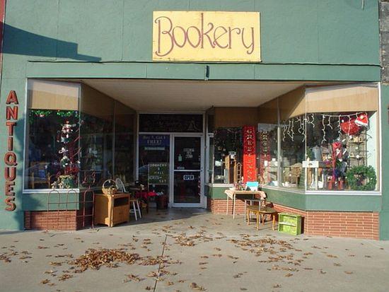 104 E Broadway St, Cushing, OK 74023