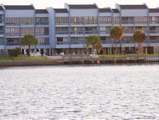 560 Pleasure Pier Blvd APT 206, Port Arthur, TX 77640